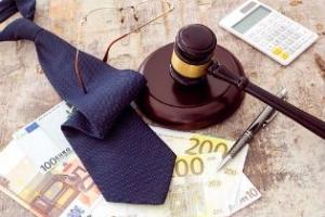 Per i reati fiscali in concorso con altri il pagamento del debito tributario eseguito da uno solo non ha validità come attenuante per gli altri