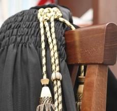 Accertamento induttivo per gravi incongruenze e limitazioni del giudicato esterno - Cassazione sentenza n. 27822 del 2013